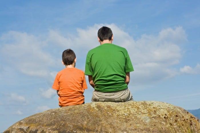 Cómo deben actuar los padres si pegan a su hijo