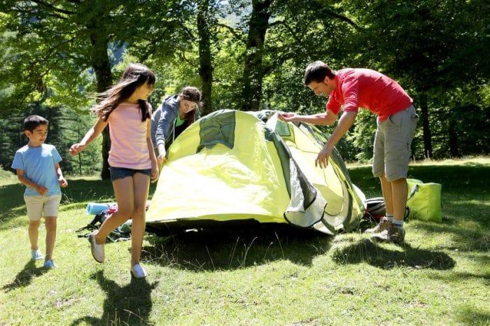 Actividades infantiles al aire libre Camping y rutas