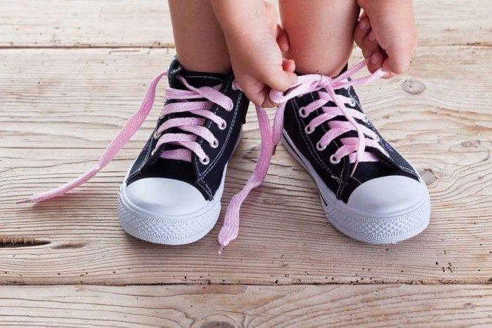 mejor servicio 0f560 130cc Cómo enseñar a los niños a atarse los cordones - Etapa Infantil