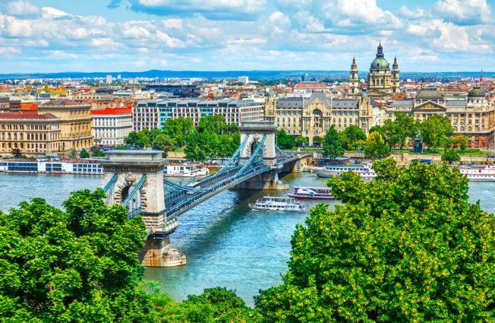 Río Danubio en la ciudad de Budapest