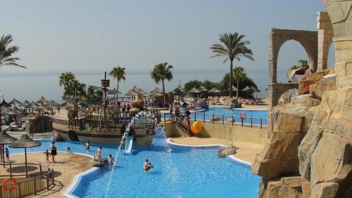Hotel Holiday Polynesia, en Benalmádena, Málaga, Andalucía