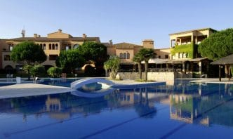 Hotel La Costa Golf Beach Resort, en Pals, Costa Brava