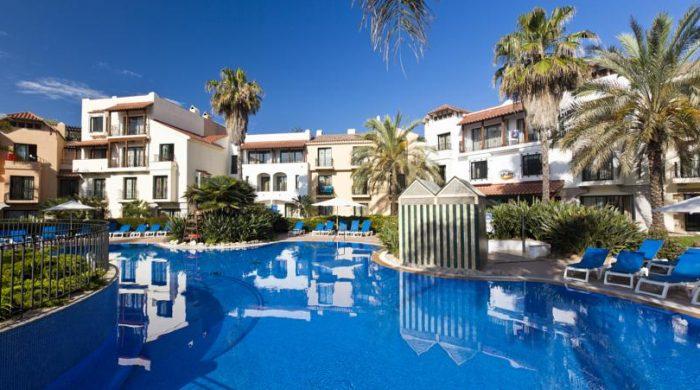 Hoteles tem ticos para ni os en espa a etapa infantil for Hoteles familiares cataluna