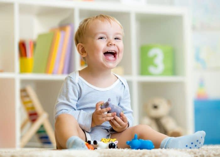 Los juguetes y el desarrollo de los ni os etapa infantil for Espejo que habla juguete