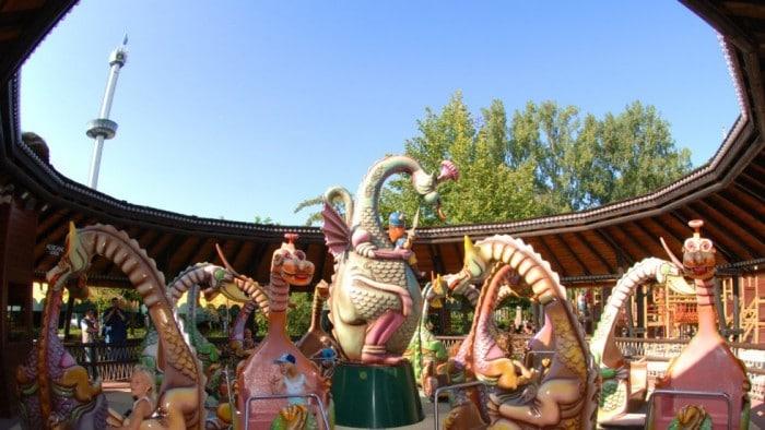 Dino Merry go round, Parque de atracciones Europa Park
