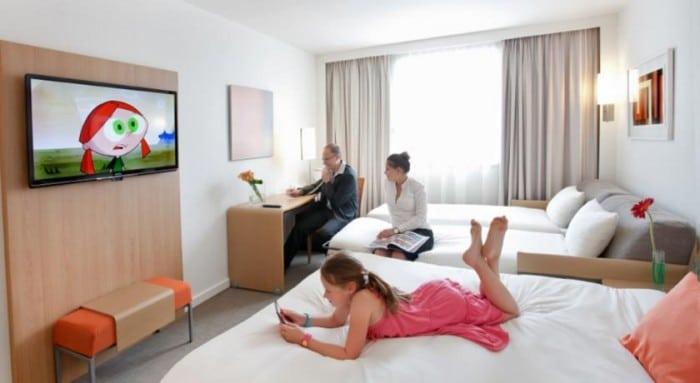 los mejores hoteles para ni os en par s. Black Bedroom Furniture Sets. Home Design Ideas