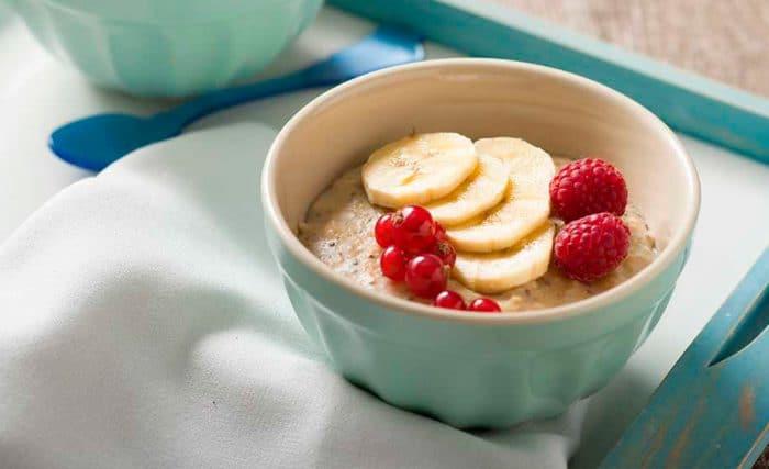 Receta vegetariana Porridge con leche de almendras y semillas de chía