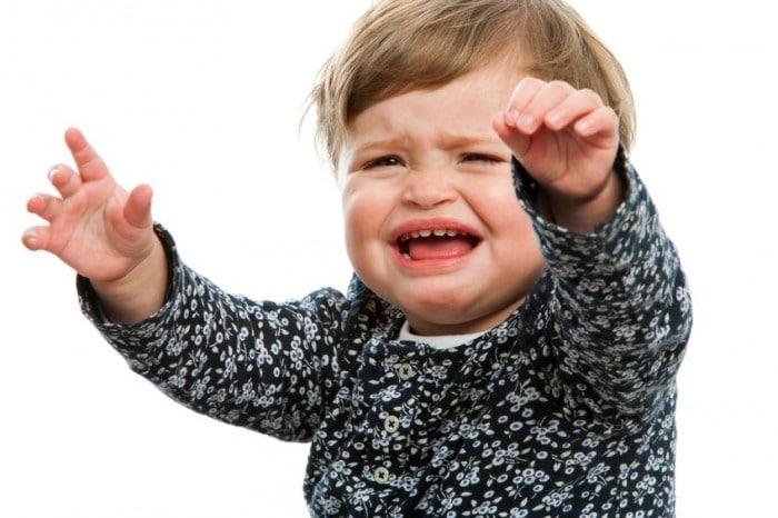 Bebé llorando adaptación guardería