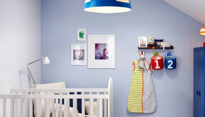 Composición con cuadros para decorar lahabitación infantil
