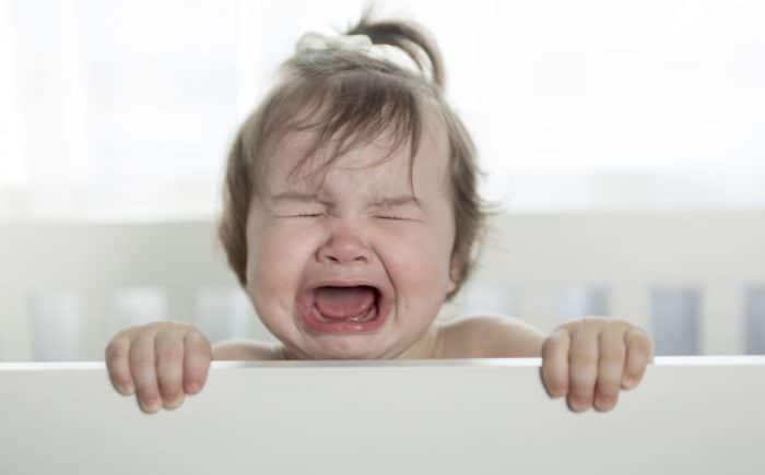 Dejar llorar al bebé