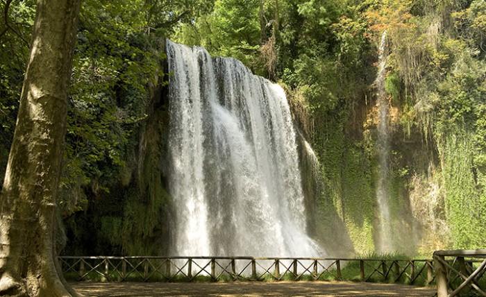 Cascada en el Monasterio de Piedra