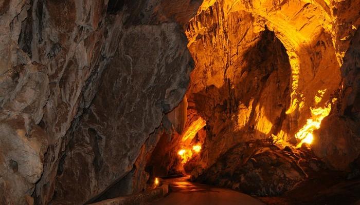 Cuevona en Cuevas del Agua en Asturias