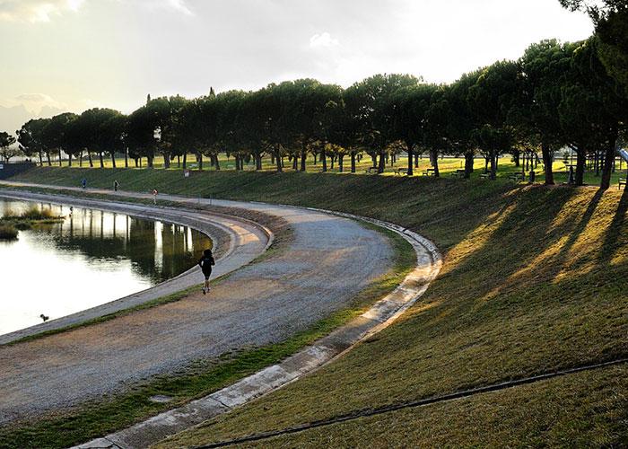 Parque de la Aguja en Manresa, a las afueras de Barcelona