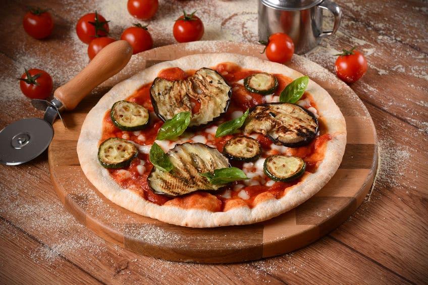 Receta con verduras para niñosPizza vegetal con berenjena y calabacín