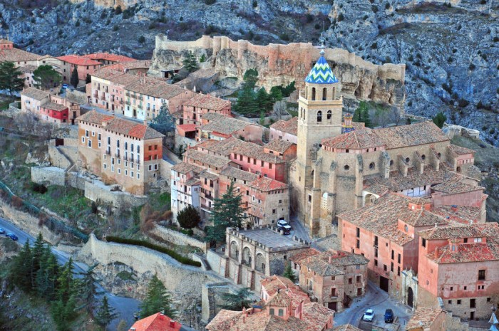 Turismo familiar en pueblecitos de teruel etapa infantil for Oficina de turismo albarracin