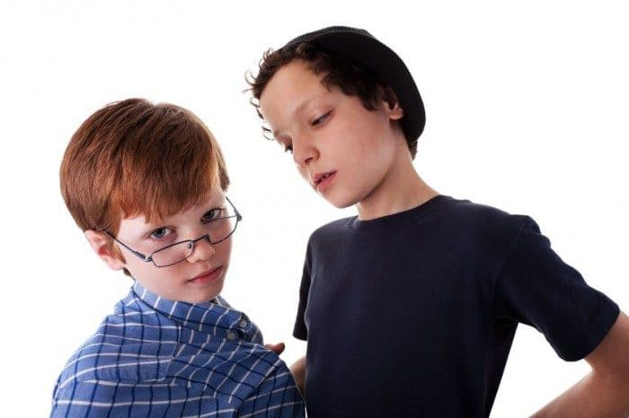 Cómo enseñar a mi hijo a defenderse del bullying