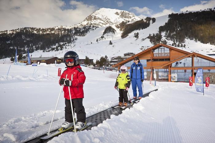 Escuela de esquí para familias y niños de Grandvalira, en Andorra