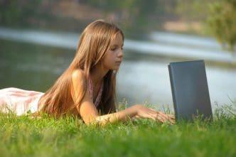 Cómo ayudar a un adolescente a entender la publicidad