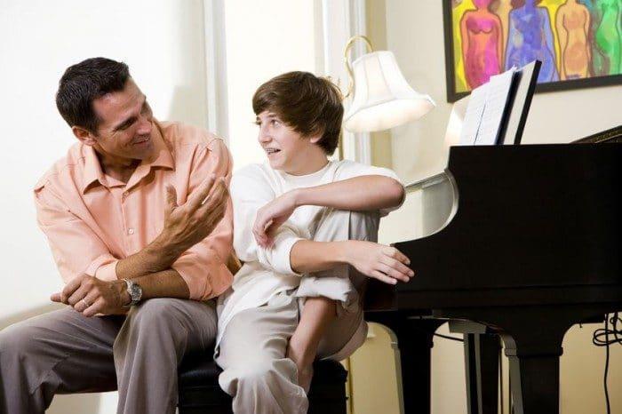 Cómo ayudar a un adolescente a superar el divorcio de sus padres