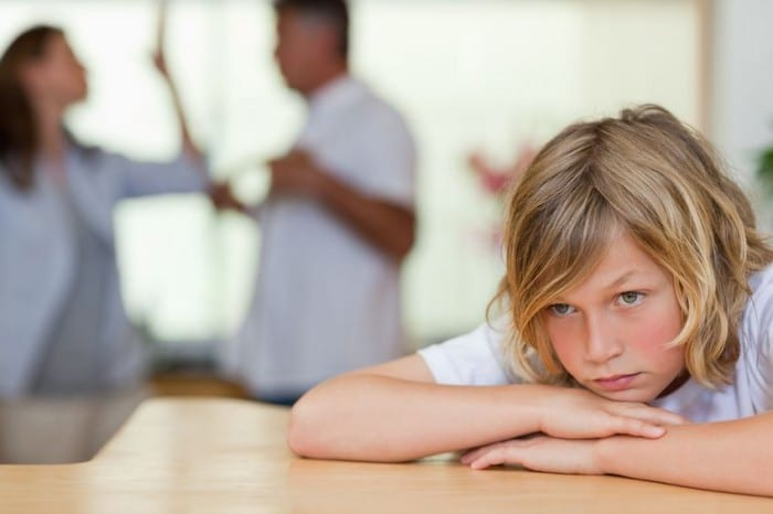 Cómo impacta un divorcio en los adolescentes