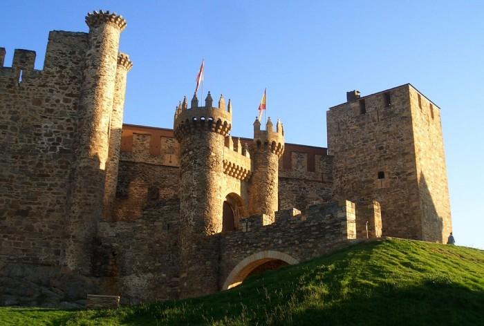 Castillo de la Adrada, en Ávila, Castilla y León