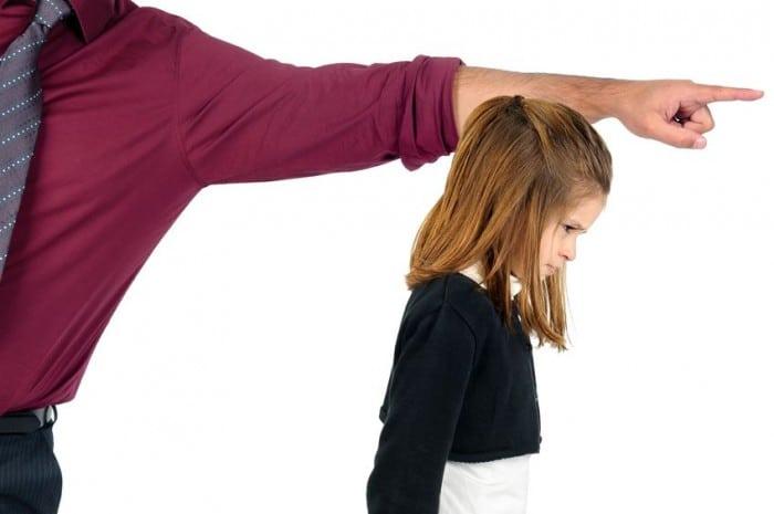 Frases que jamás deberías decirle a un hija