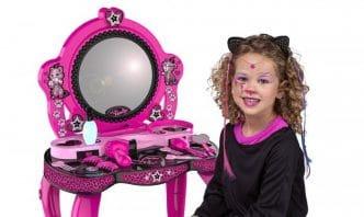 Juguete de maquillaje y joyería