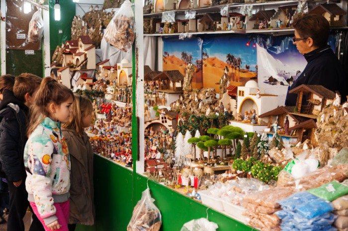 Mercadillo navideño de Barcelona. Planes para hacer con niños en Navidad