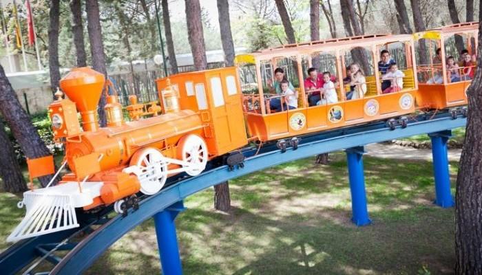 Nickelodeon Express (zona NickelodeonLand) en Parque de atracciones de Madrid