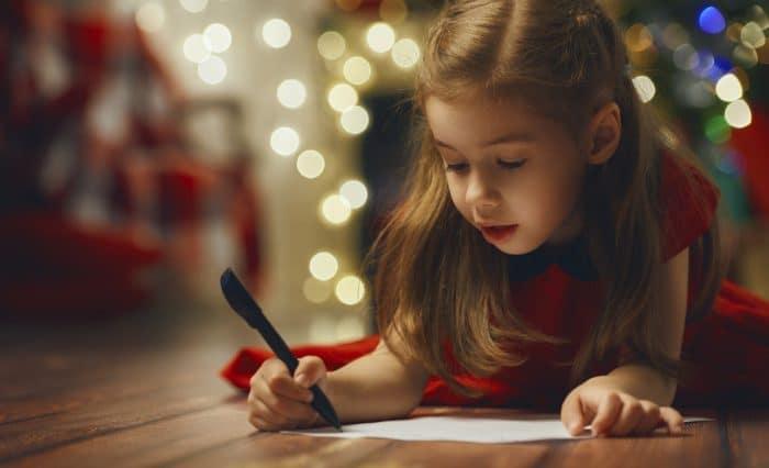 Niños escribir carta Reyes Magos