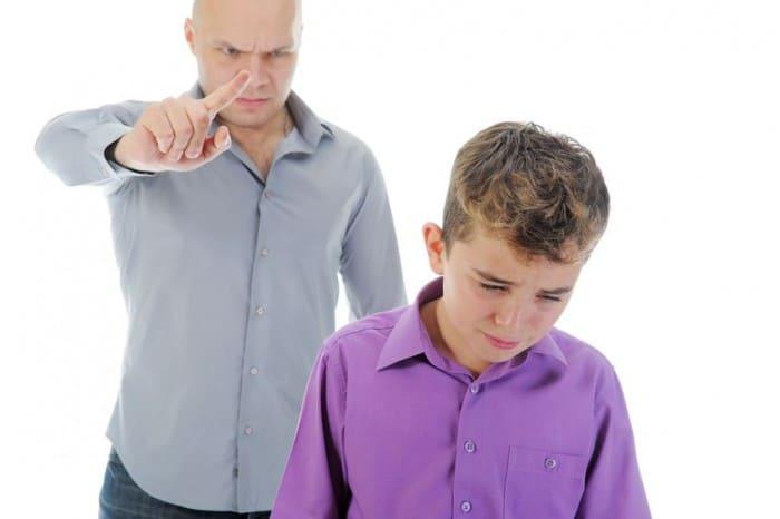 Por qué los padres luchan contra el mal comportamiento de los hijos