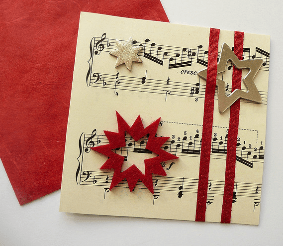 tarjeta de felicitacin con pentagrama musical