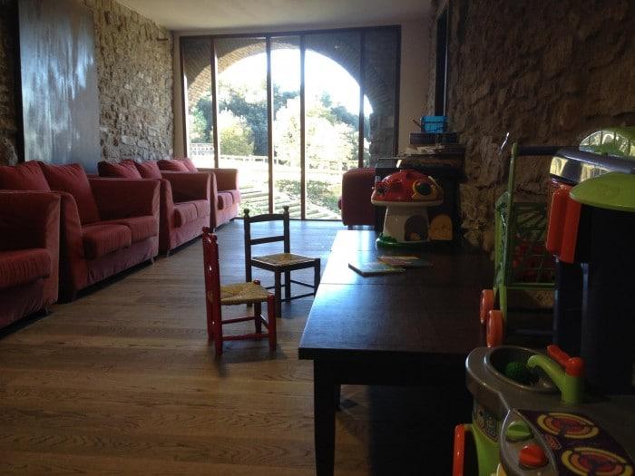Zona infantil en restaurante Masia La Roca, en Taradell, Barcelona