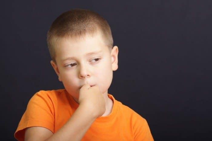 Consejos niño deje morderse uñas