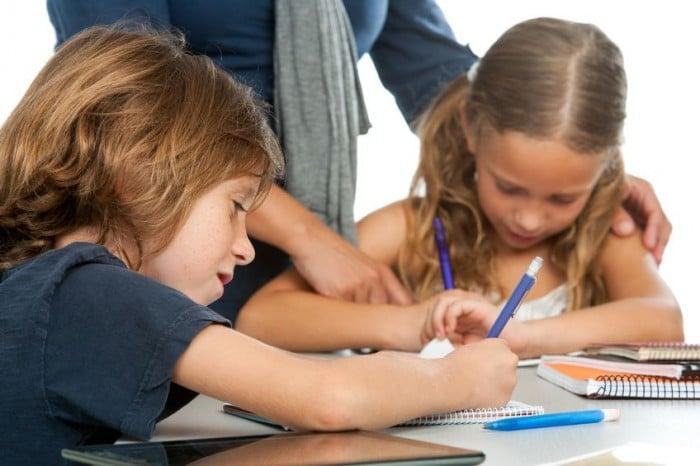 Errores de los padres con los deberes de los niños