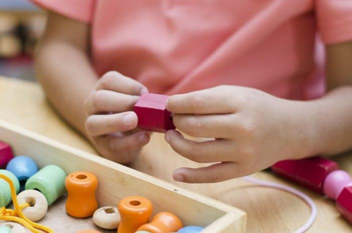Las clases Montessori y los niños con problemas sensoriales