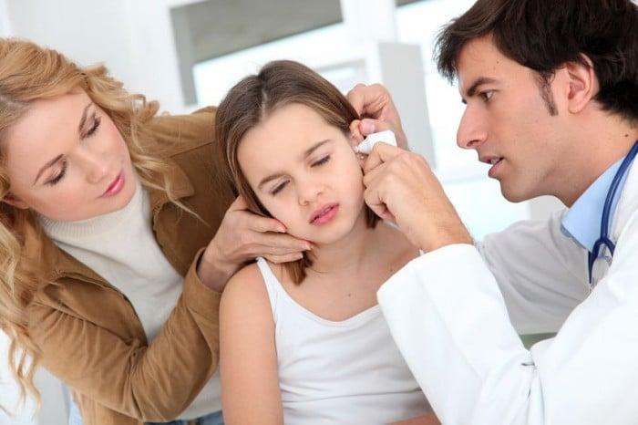 Causas, síntomas, tratamiento y prevención de la otitis media aguda en niños