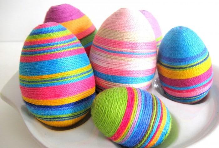 Huevos enrollados en hiloIdeas para decorar huevos de Pascua