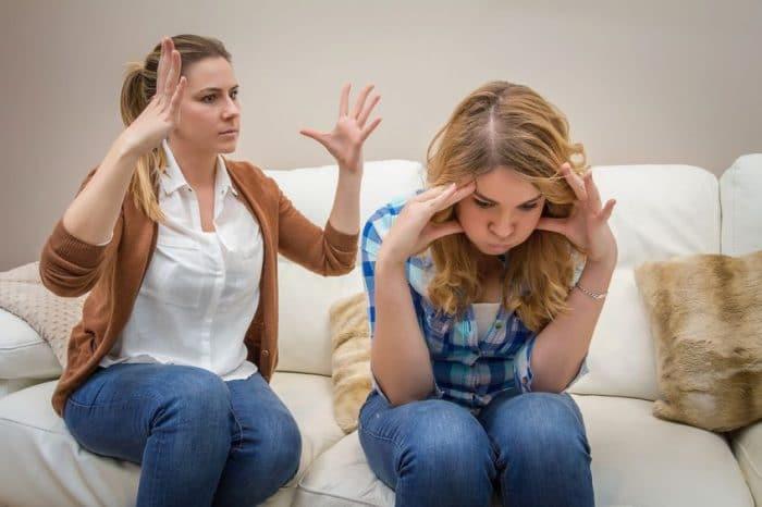 Hablar de un conflicto con tu hijo adolescente