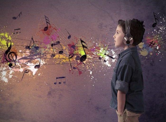 música estímulo cerebro infantil