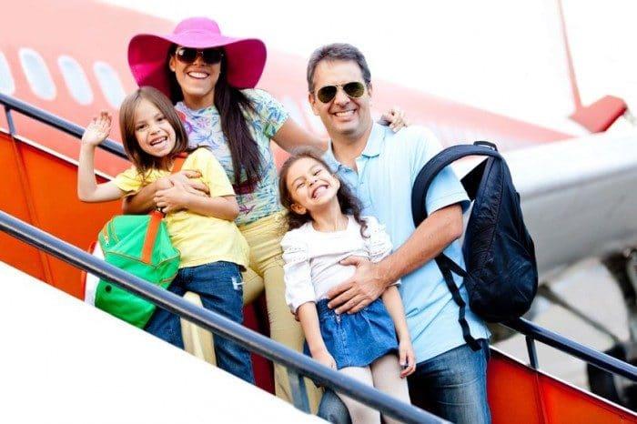 Requisitos para viajar con niños en avión