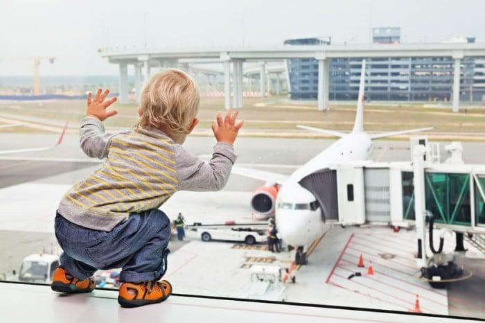 viajar con niños avión