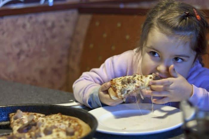 Alimentos que afectan el sueño de los niños