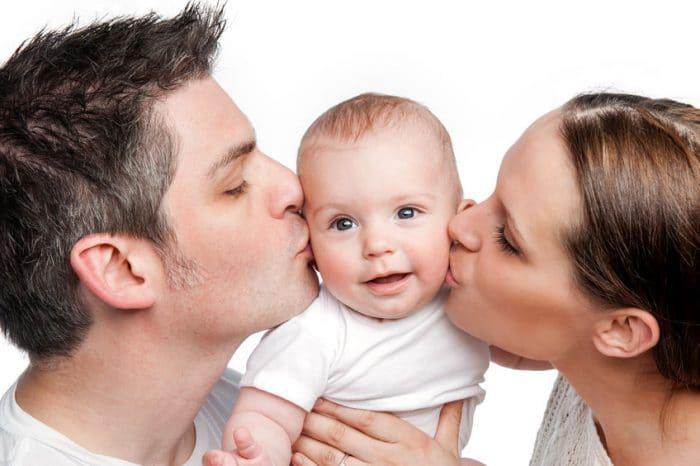 Besos y abrazos a los hijos