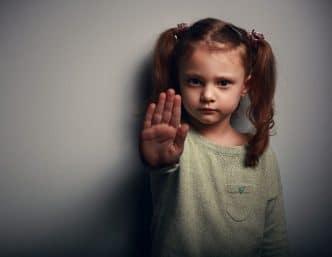 Enseñar a los niños a no burlarse de los demás