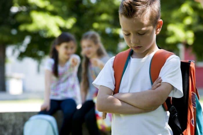 Enseñar a mi hijo a no burlarse de los demás