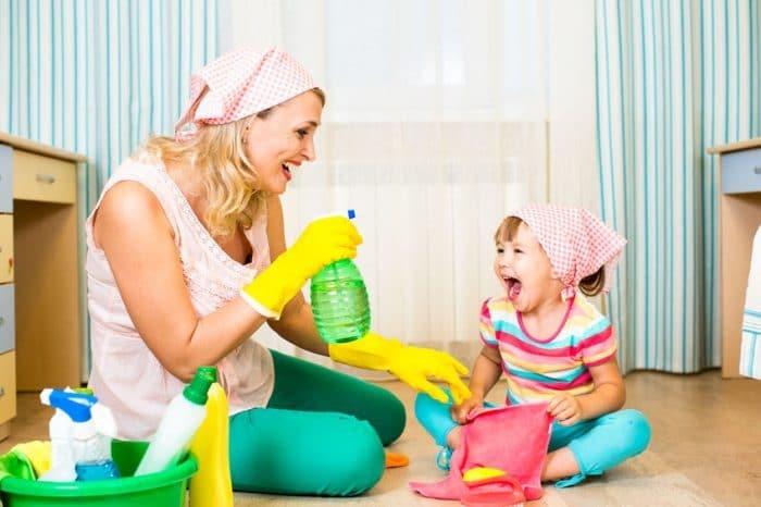 Enseñar tareas domésticas hijos