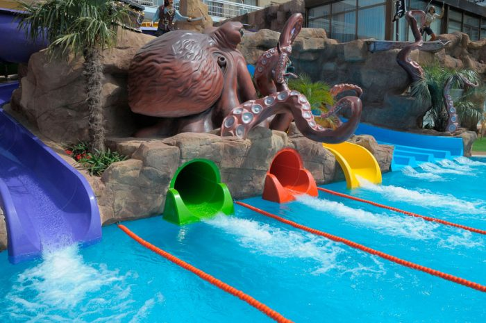 Hotel con toboganes Evenia Olympic Resort, en Lloret de Mar, Girona