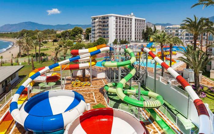 Hotel Globales Playa Estepona, en Atalaya Isdabe, Málaga