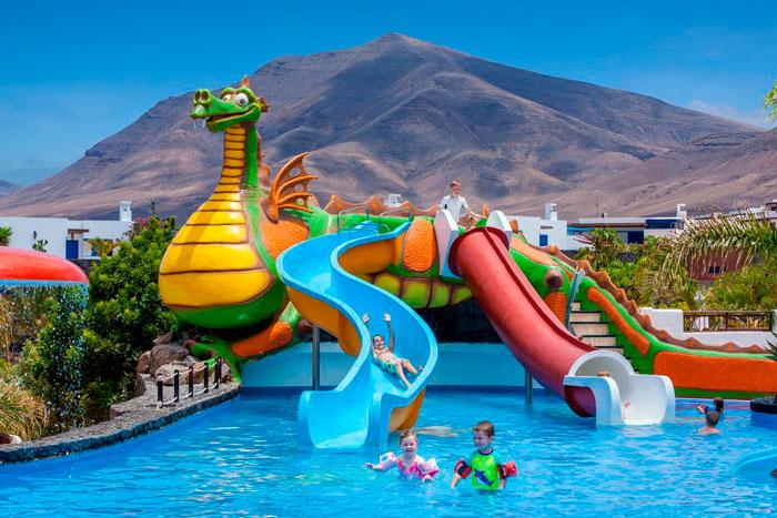Hotel con toboganes Gran Castillo Tagoro Family & Fun Playa Blanca, en Playa Blanca, Las Palmas